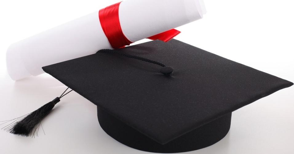 mídia indoor, educação, brasil, escola, universidade, formatura, formando, diploma, beca, estudar, estudante, profissão, profissional, emprego, trabalho, trabalhar, mercado, faculdade, empregado, jovem, ensino, estudo
