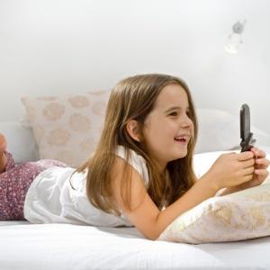 Posse de telefone celular piora resultados em teste de leitura; instrumentos musicais melhoram