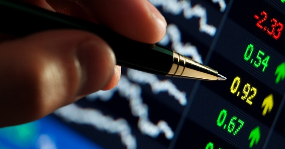 http://w3.i.uol.com.br/Wap/2010/04/20/midia-indoor-economia-dinheiro-analise-consulta-negocio-dado-diagrama-indicador-financa-financeiro-bolsa-queda-lucro-crise-diagrama-grafico-crescimento-informacao-investimento-1271790205639_956x500.jpg