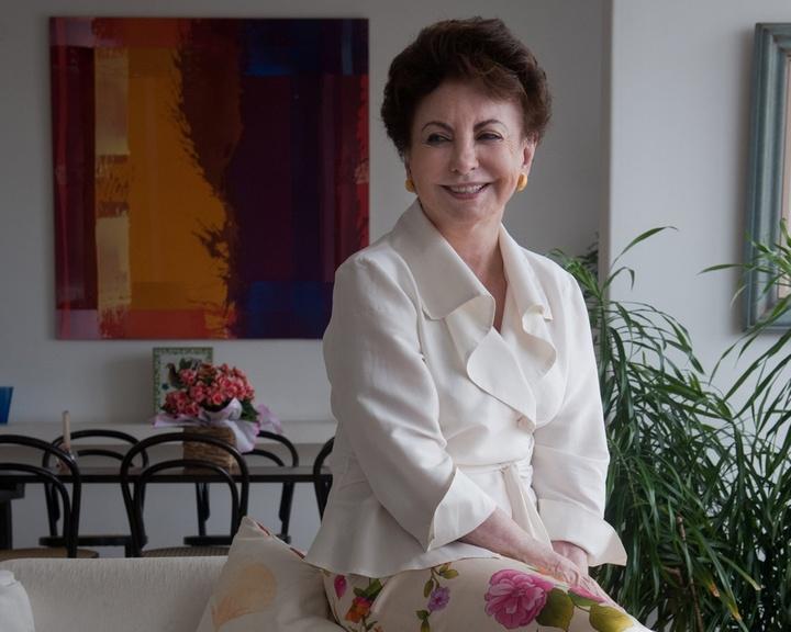 "Mídia indoor; wap; celular; TV; atriz Beatriz Segall; Odete Roitman; novela; ""Vale Tudo""; Globo; reprise; personagem"