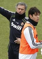 Futebol internacional: Mourinho avisa: se ficar, Kaká será como os outros