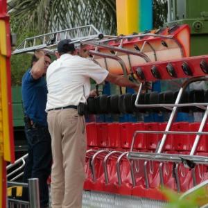 Em abril de 2011, a trava do brinquedo Double Shock (foto), no Playcenter, se abriu e feriu oito pessoas
