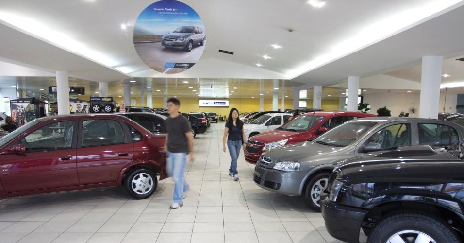 Mídia indoor; TV; wap; celular; concessionária; carros; usados; semi-novos; veículos; compra; venda; automotivo; automóvel; revenda; comércio