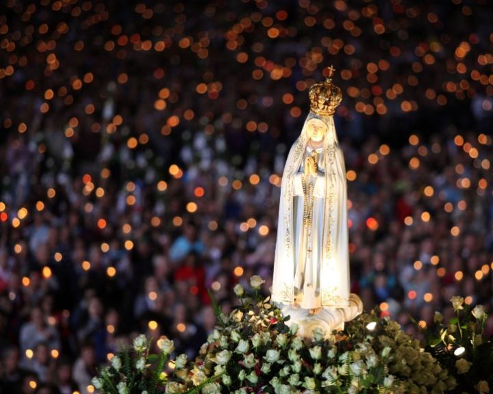http://w3.i.uol.com.br/Wap/2011/05/13/midia-indoor-wap-tv-celular-nossa-senhora-de-fatima-santuario-templo-imagem-aparicao-portugal-1917-fieis-catolicos-catolico-igreja-santa-1305290176182_720x576.jpg