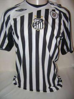 Reprodução. Camisa retrô do Santos em homenagem ao uniforme usado pelo clube  em 1913 866366f992fdd