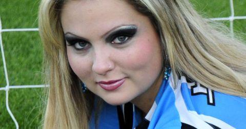 <b>Aline Zamel</b>, gata do Grêmio - piercing_f_020