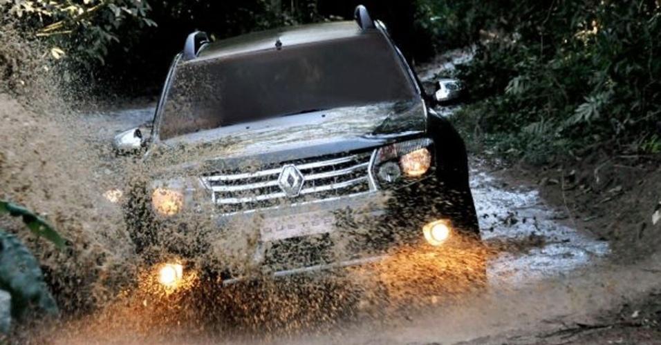 Renault joga na lama o Duster, futuro rival do EcoSport