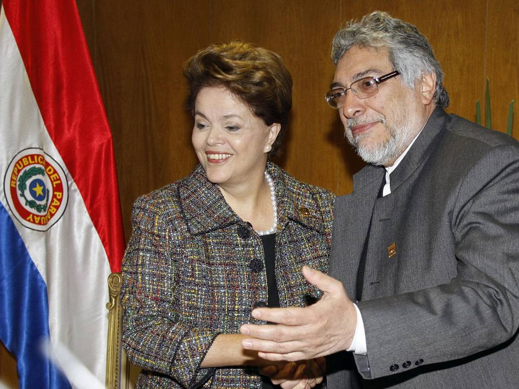 Dilma Rousseff e o presidente paraguaio Fernando Lugo se renem em Assuno