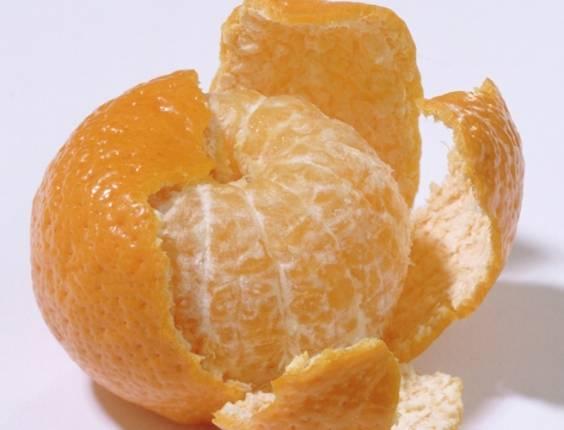 Algumas frutas podem te ajudar a combater a gordura abdominal por serem ricas em fibras solúveis, como a mexerica