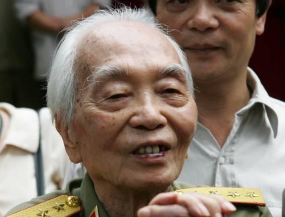 General vietnamita Vo Nguyen Giap, que liderou vitórias militares do país asiático contra  França e os Estados Unidos