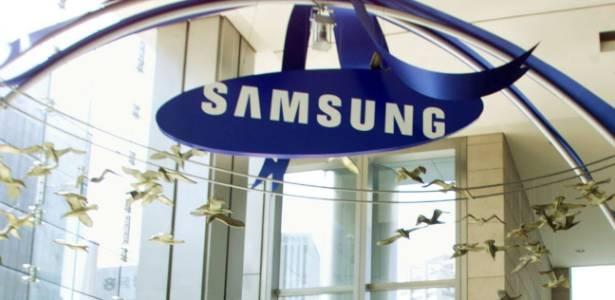 Logotipo da Samsung na sede mundial da empresa em Seul, Coreia do Sul