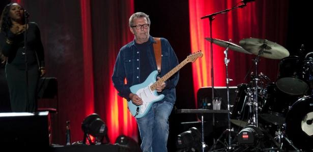 Eric Clapton encerra turnê pelo Brasil com show para 45 mil fãs no estádio do Morumbi, em São Paulo