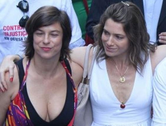Os atores Maria Paula, Letícia Spiller e Marcello Novaes participam da passeata