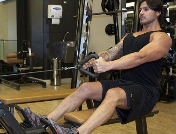 Gêmeos Flávio (foto) e Gustavo planejam a mudança em 2012 para os Estados Unidos, onde pretendem se inserir no mercado local de fisiculturismo e fitness