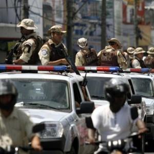 Agentes da Companhia Independente de Policiamento Ambiental (CIPA) realizam ronda