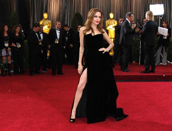 angelina Jolie chega a festa do Oscar 2012