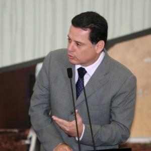 Governador de Goiás, Marconi Perillo, nega envolvimento com Carlinhos Cachoeira