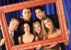 Jennifer Aniston, Mathew Perry e Courtney Cox fazem piada com