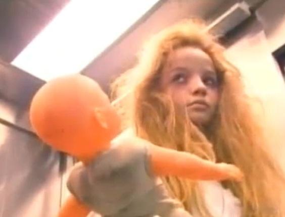 Menina fantasma no elevador, pegadinha do programa Silvio Santos