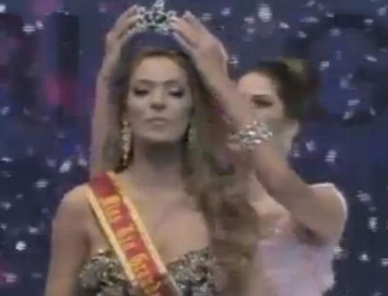 Veja coroação de Vitória Centenaro como Miss RS