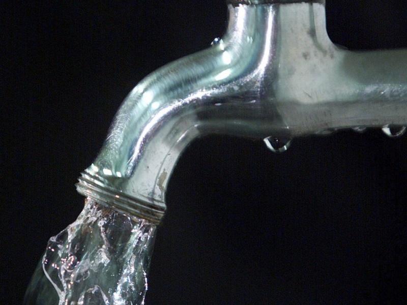 mídia indoor; água; torneira; abastecimento; fornecimento; desperdício