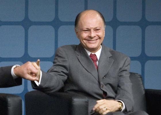 """Bispo Edir Macedo, fundador da Igreja Universal do Reino de Deus e dono da TV Record, durante inauguração do canal de notícias """"Record News"""", em São Paulo (SP). (27.09.2007)"""