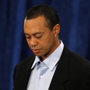 Golfista Tiger Woods perdeu três patrocínios após divulgação de escândalo sexual, mas rejeitou oferta