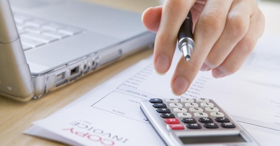 Mídia indoor, conta, dinheiro, negócio, renda, economia, orçamento, cálculo, calculadora, calcular, imposto, despesa, laptop, pagamento, finança, mercado