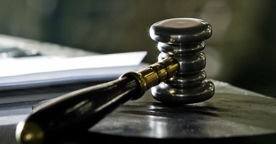 Mídia Indoor, wap: Martelo; leilão; Justiça; sentença; veredicto; decisão