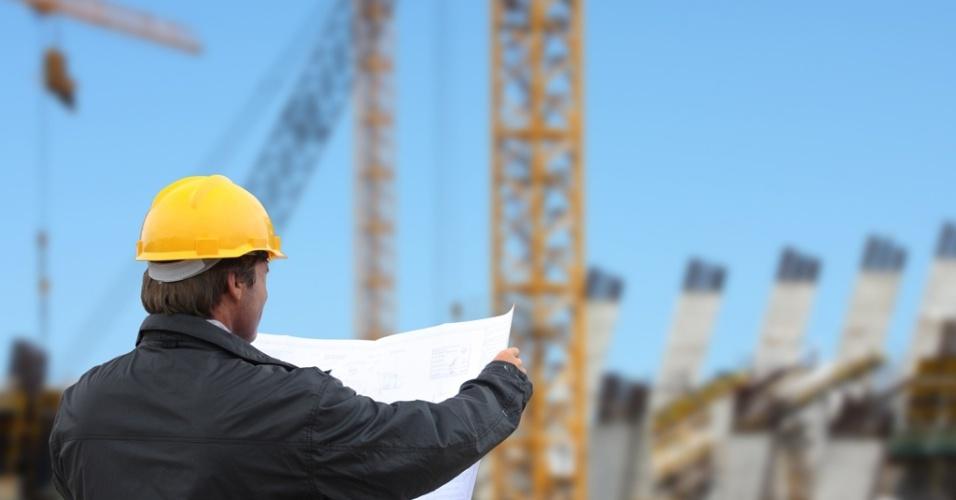 Mídia indoor, construção, economia, imóvel, construir, casa, casa própria, civil, homem, residência, engenheiro, arquiteto, engenharia, arquitetura, profissão, trabalhador, trabalho, tijolo, mercado