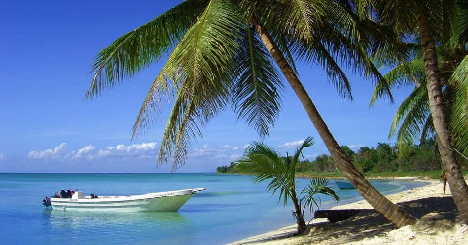 mídia indoor, cotidiano, viagem, turismo, praia, coqueiro, tropical, mar, oceano, barco, sol, calor, verão, quente, férias, descanso, turista, ilha, areia, descansar, relaxar, relaxamento