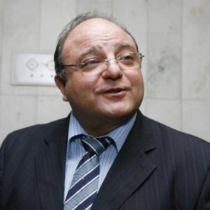 Cândido Vacarezza, líder do governo na Câmara dos Deputados, defendeu o sigilo em licitações