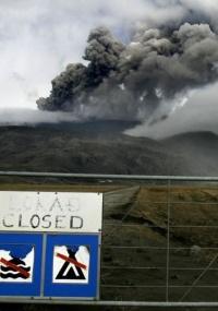 Vulcão islandês também fechou o espaço aéreo de Escócia e Irlanda durante a semana