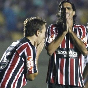 Dupla de ataque titular, Fernandão marcou 2 gols e Dagoberto ainda não foi às redes pelo Brasileiro