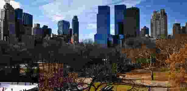 Vista do Central Park, em Nova York (EUA), com prédios e hotéis de luxo ao fundo - Pedro Carrilho/Folha Imagem