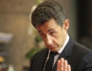 Nicolas Sarkozy melhora nas pesquisas eleitoras com discurso de expulsão de ciganos e plano para tirar a nacionalidade de criminosos de origem estrangeira