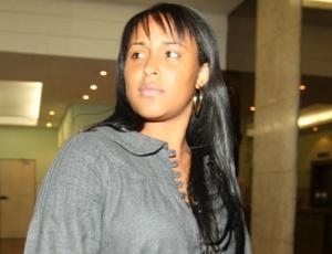 Dayanne de Souza, mulher do goleiro Bruno, é também acusada de participar do desaparecimento de Eliza