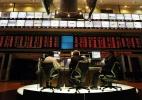 Bolsa fecha em queda de 1%, após duas altas; Vale cai 2,6% e JBS tomba 4,1% - Folhapress