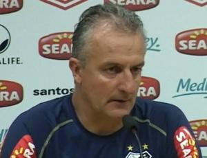 Dorival Junior admitiu que o Santos não conseguirá se reforçar para o Brasileirão e aposta na base
