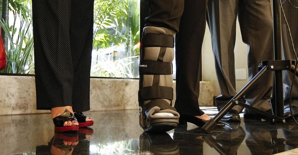 Mídia Indoor, bota ortopédica, Dilma Rousseff