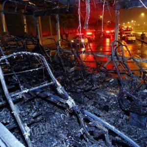 O período anterior à ocupação do Complexo do Alemão foi marcado por uma onda de violência. Vários ônibus foram queimados pela cidade.