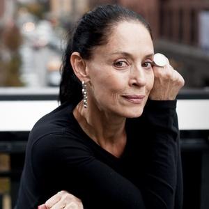 Sônia Braga posa para foto em Nova York