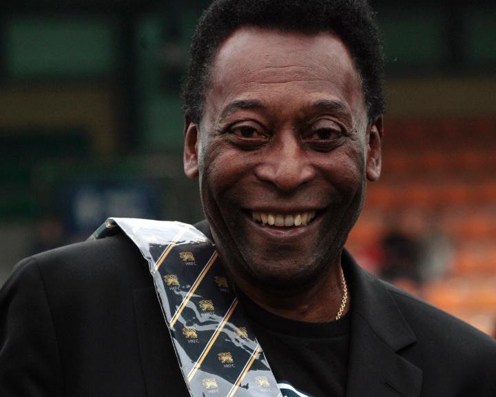 Mídia indoor; Tv; wap; celular; Pelé; ex-jogador; atleta do século; Santos; New York Cosmos; Hong Kong; promoção; futebol