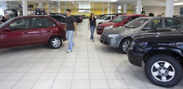 Mesmo com venda menor no mês, média diária foi alta e reforça crescimento anual - Cris Komesu/Folhapress