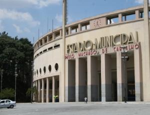 O Santos enfrentaria o Figueirense no Pacaembu, mas Prefeitura de SP preferiu faturar R$ 50 mil com o aluguel do estádio para evento da Universal