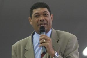O pastor Valdemiro Santiago, da Igreja Mundial do Poder de Deus