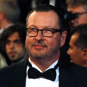 Lars Von Trier é fotografado em Cannes