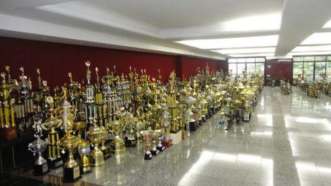 http://w3.i.uol.com.br/celular/Wap/album/esporte/futebol/110519museuflamengo_f_011.jpg