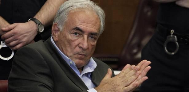 Dominique Strauss-Kahn é fotografado durante audiência em Nova York, nos Estados Unidos. Ex-diretor do FMI é acusado de abuso sexual contra uma camareira em hotel