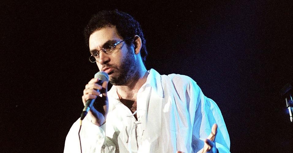 O cantor e compositor Renato Russo durante show do conjunto musical Legião Urbana em São Paulo